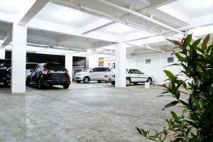 Tempat Parkir Mobil_2